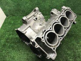 Картер двигателя Honda CBR 900 919 98-99 SC33