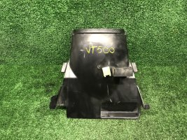 Пластик подрамника Honda VT500 Shadow PC08