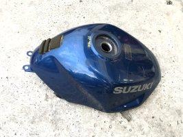 Бензобак бак Suzuki RF400
